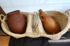 Quelques objets : poteries - vannerie
